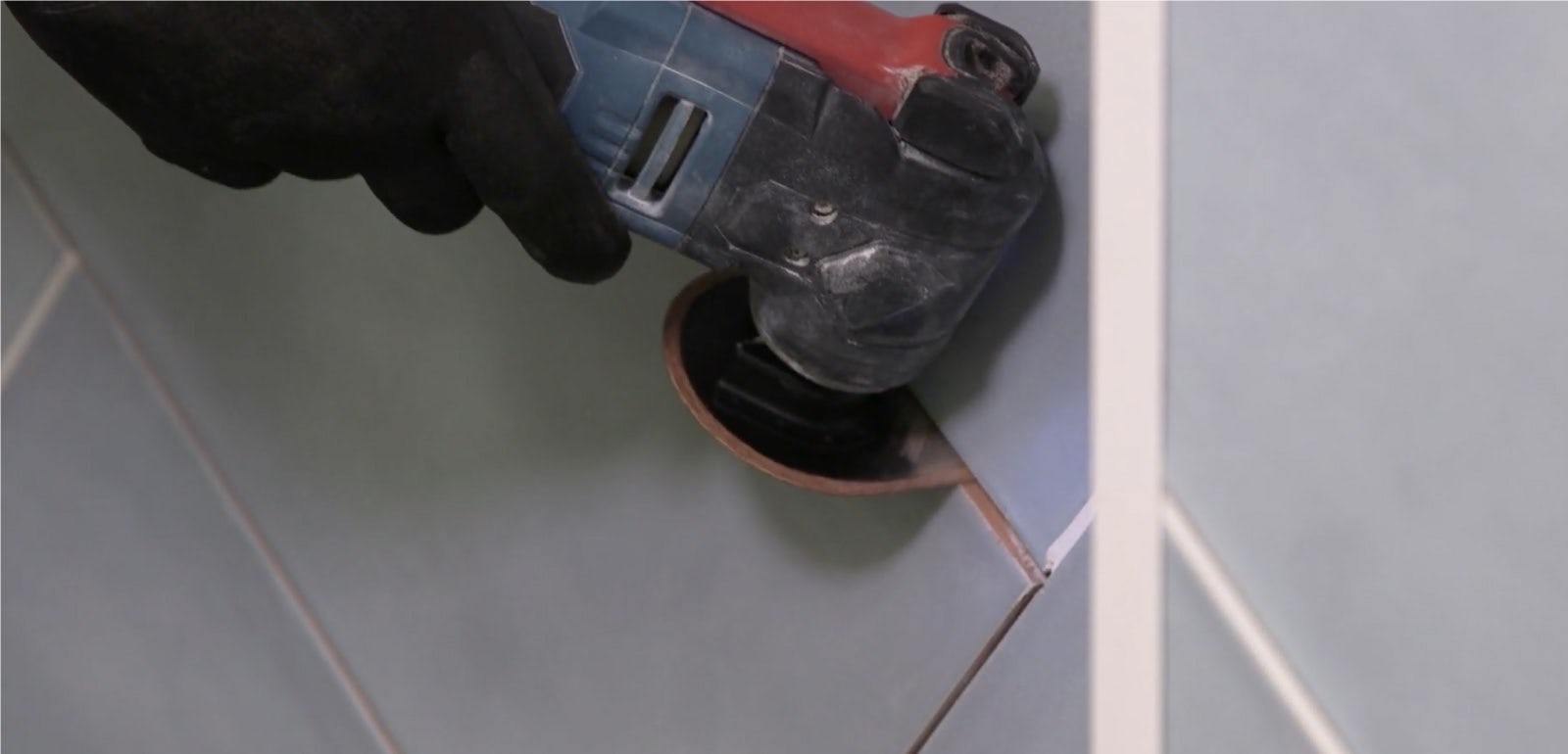Modern Fixes: How to remove old grout from tiles