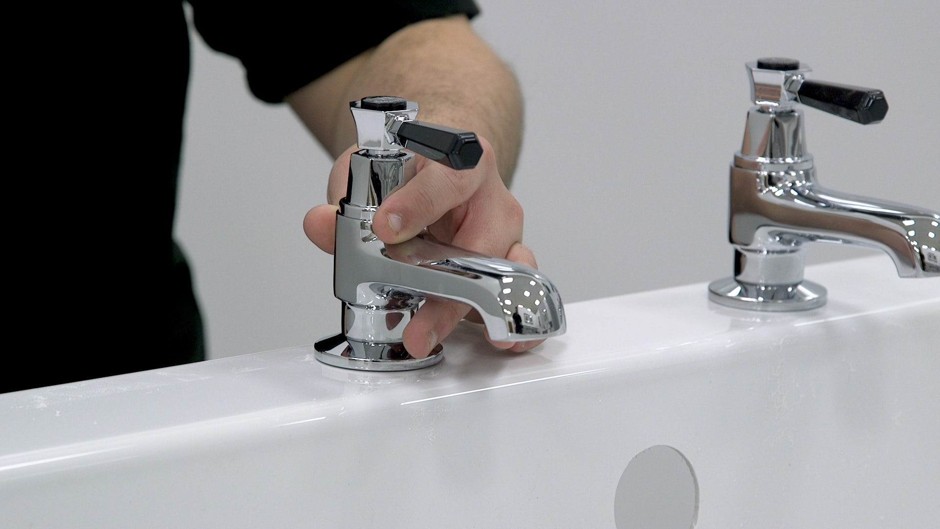 Fit your bath taps