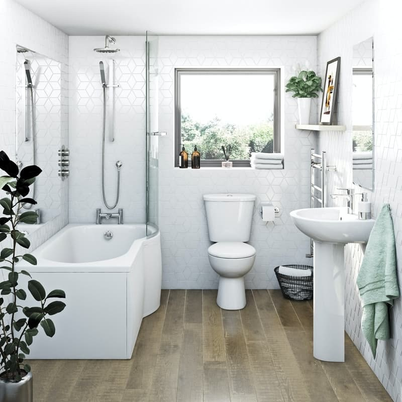A typical family bathroom suite