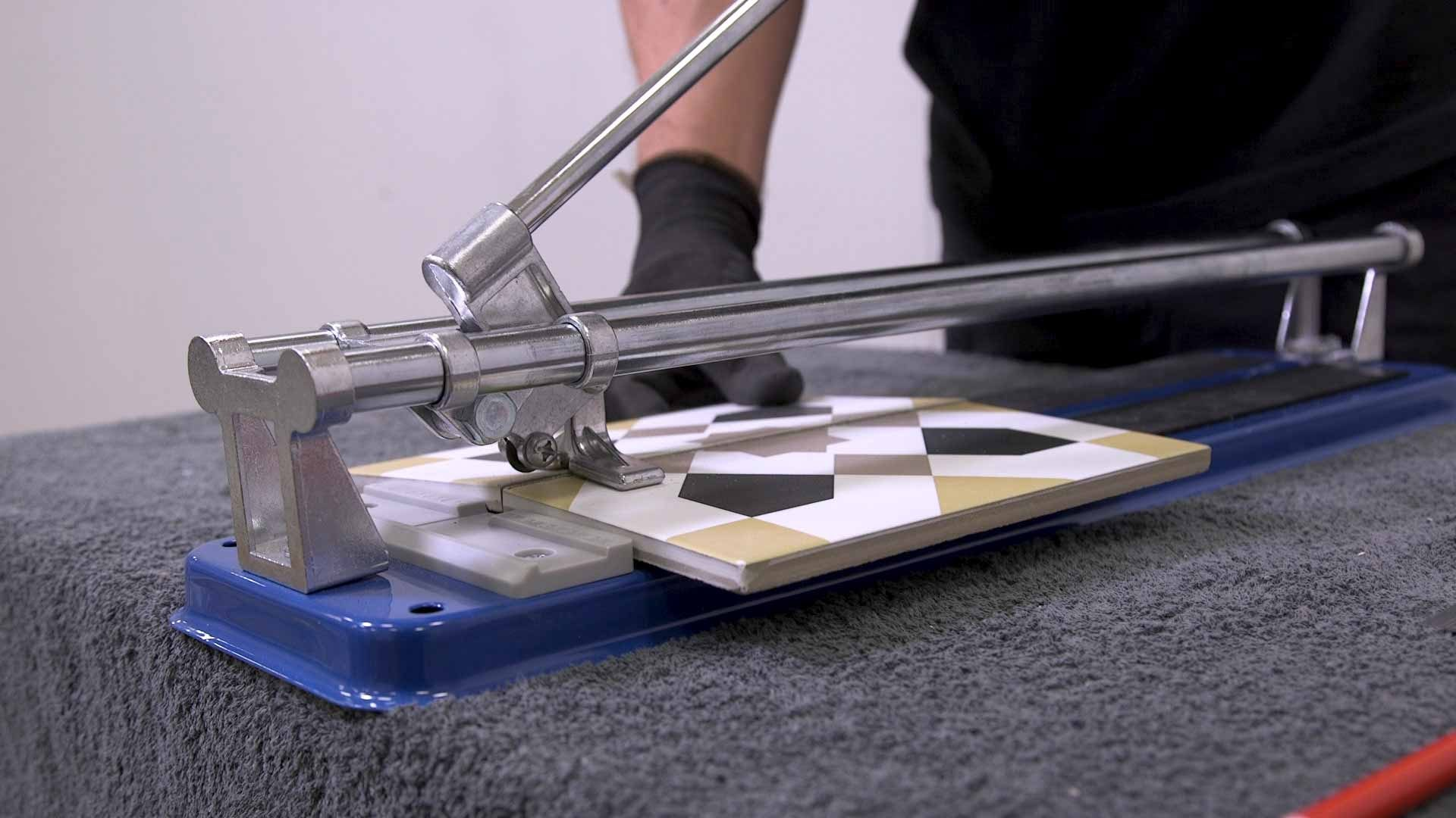 How to cut tiles 2