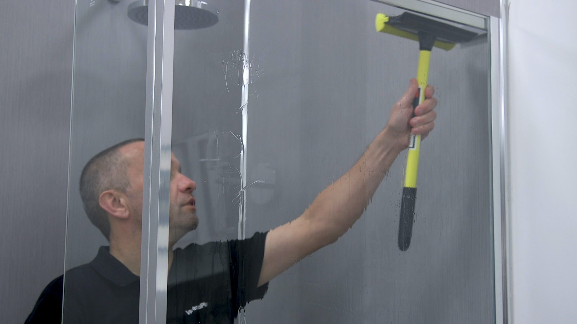 Squeegee screen