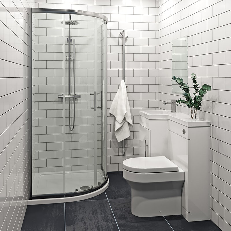 Small family bathroom space