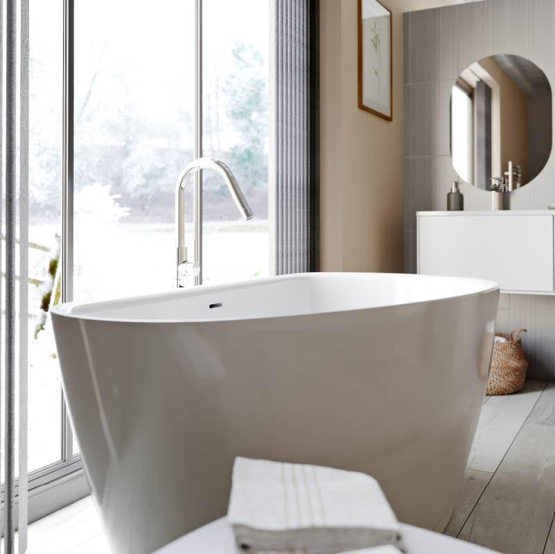 Lagom bathroom—freestanding bath