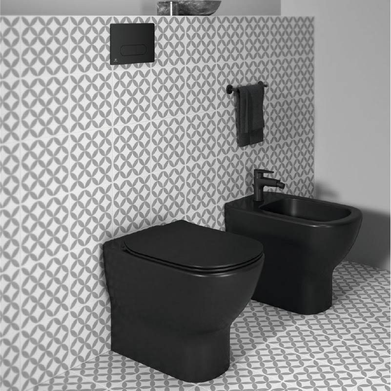 Silk Black toilet and bidet from Ideal Standard