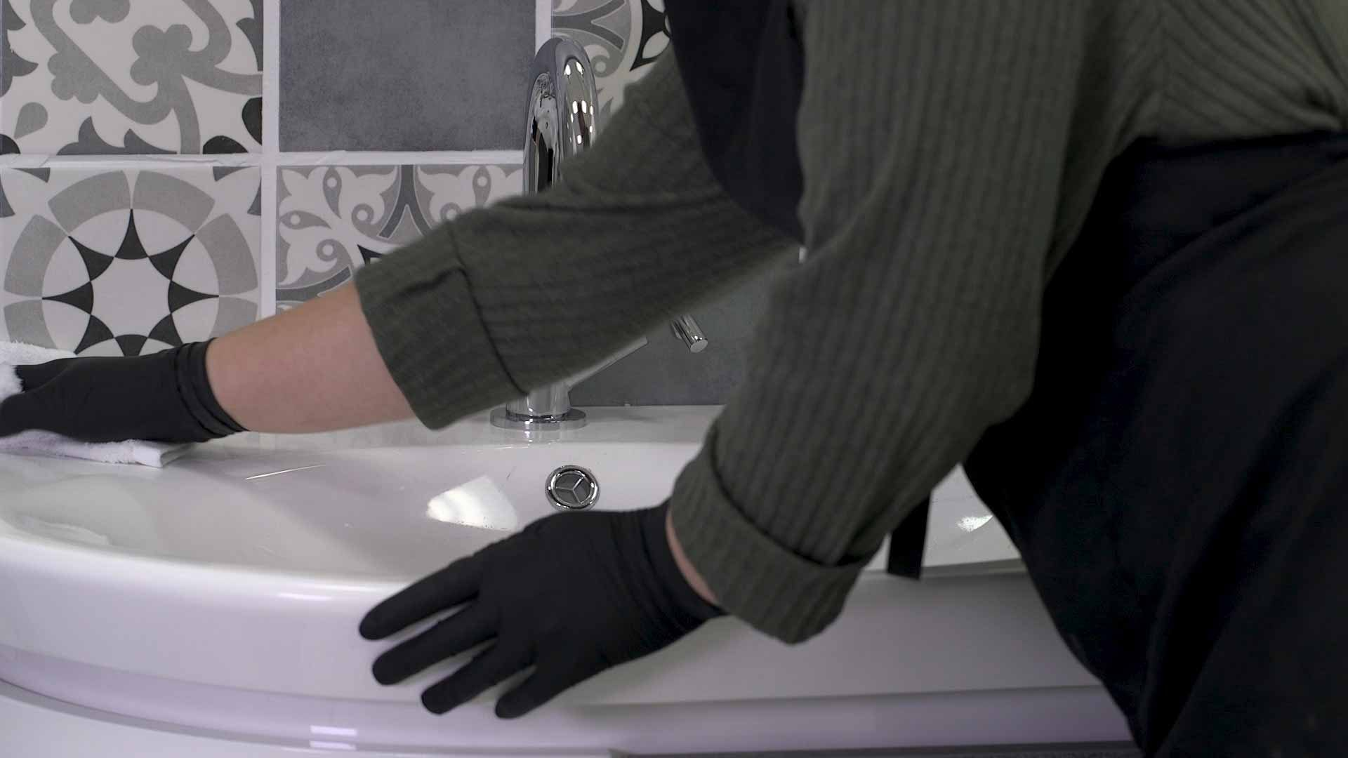 Cleaning with a reusable bathroom wipe
