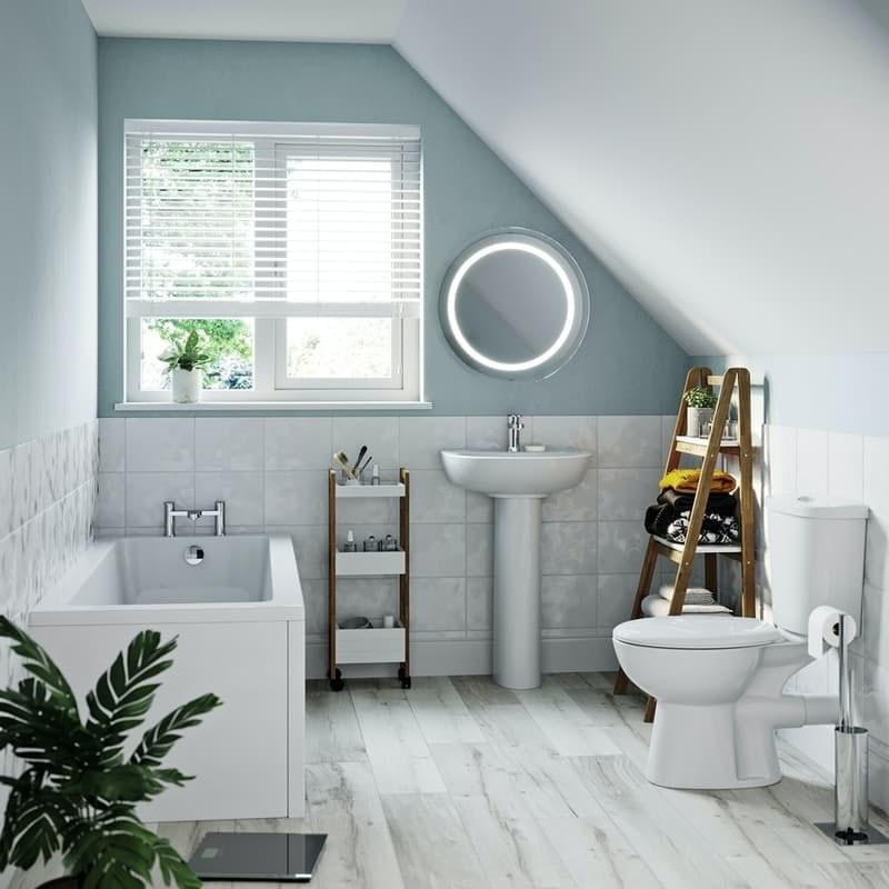 Clarity family bathroom suite