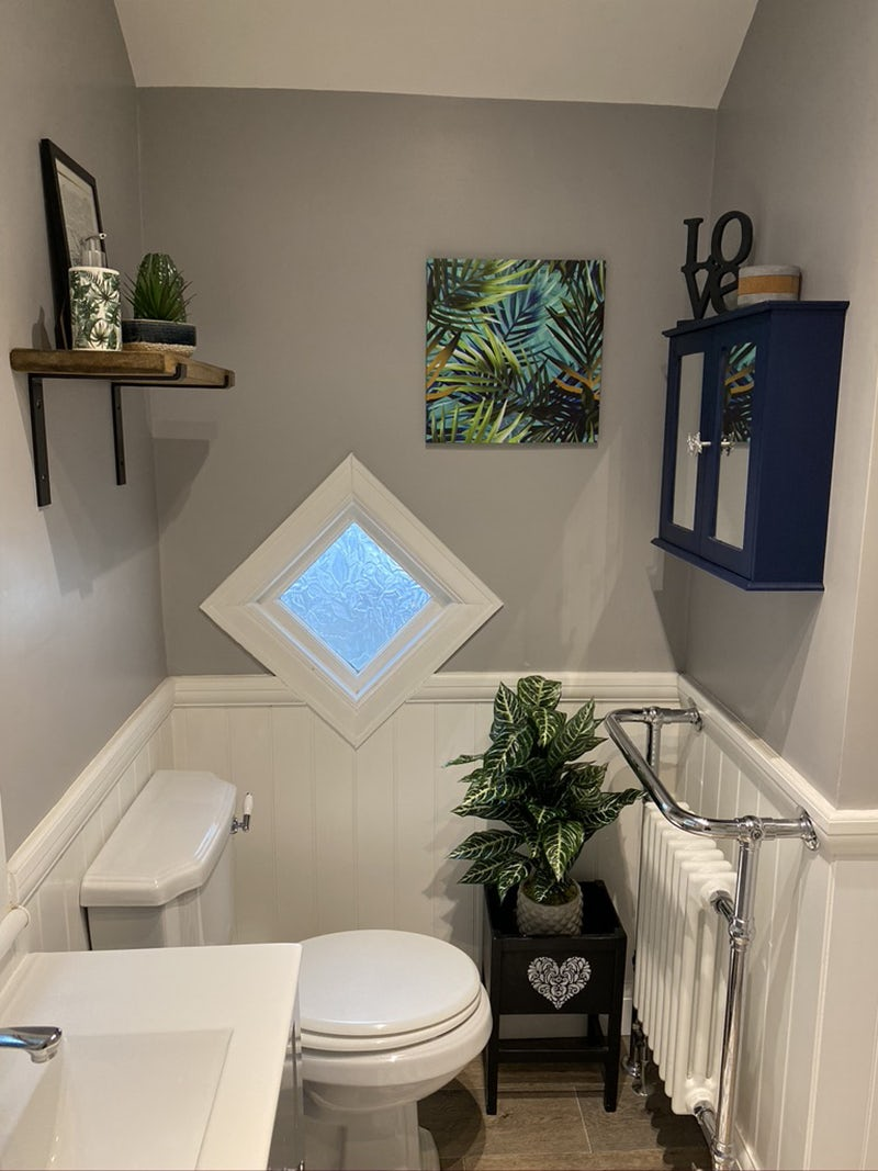 Tropical Spa cloakroom by @lovescakeygoodness on Instagram