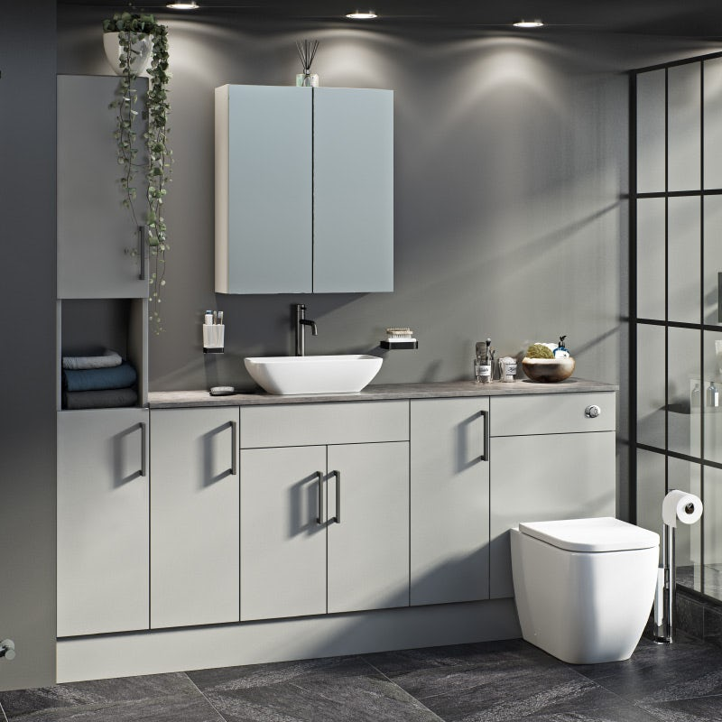 Reeves Wyatt fitted bathroom furniture
