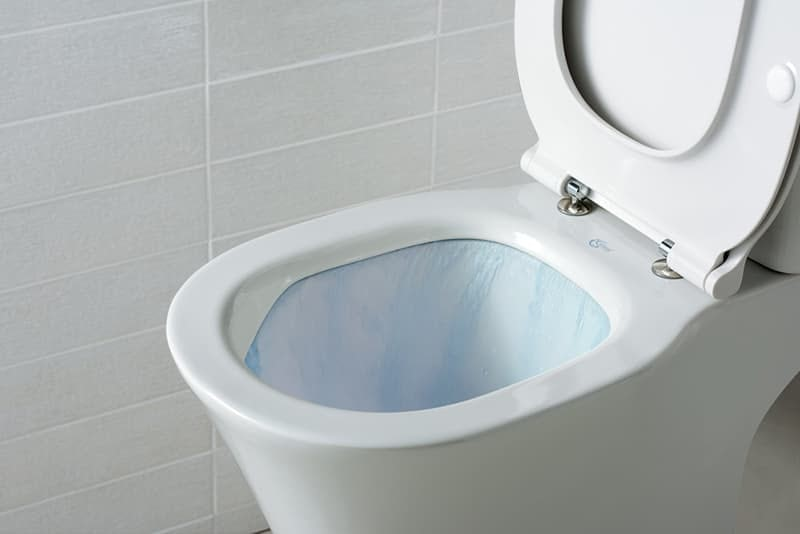 Ideal Standard Tesi close coupled toilet with Aquablade rimless technology and soft close seat