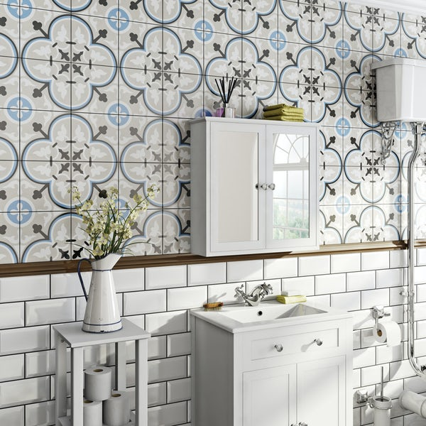Valencia Isla traditional matt wall and floor tile 200mm x 200mm