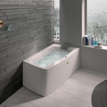 Jacuzzi Essentials right handed compact offset corner whirlpool bath 1580 x 900