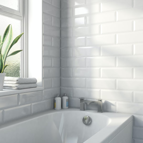 Maxi Metro white bevelled gloss wall tile 100mm x 300mm