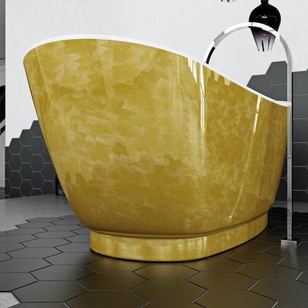 Belle de Louvain Galvez bath
