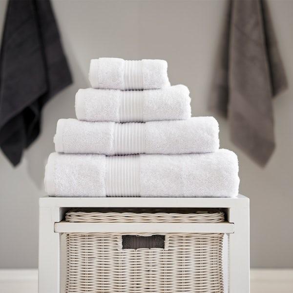 Deyongs Bliss antibacterial 650gsm 6 piece towel bale white