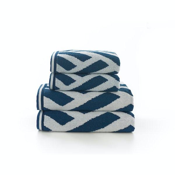 Deyongs Nice 550gsm patterned 4 piece towel bale blue