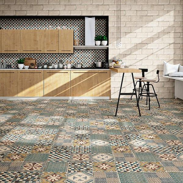 Padua mix pattern tile set 200mm x 200mm