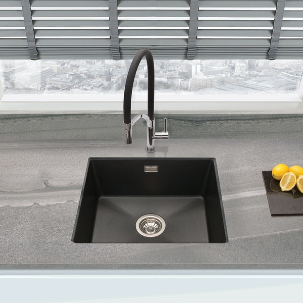 Schon WRAS Lomond pull out spray tap with black hose