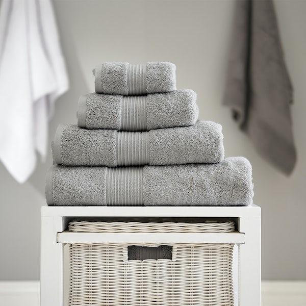 Deyongs Bliss antibacterial 650gsm 6 piece towel bale cloud