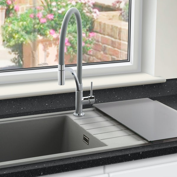 Schon WRAS Lomond pull out spray tap with grey hose