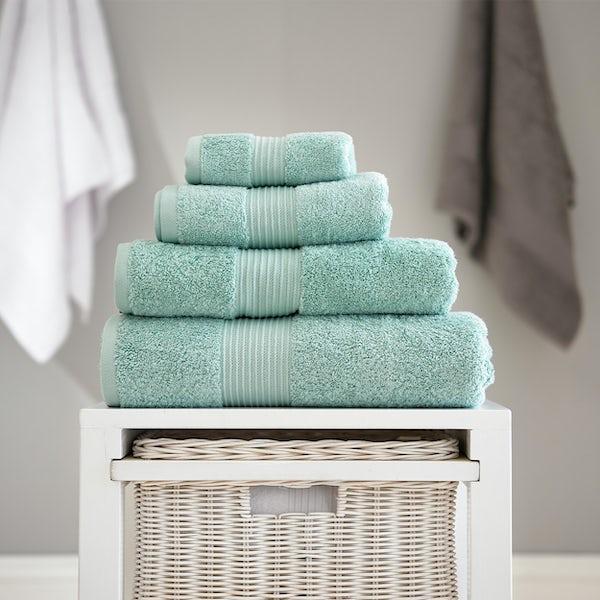 Deyongs Bliss antibacterial 650gsm 6 piece towel bale spearmint